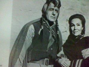 Gilbert Roland y Dolores del Río en papeles de indios en