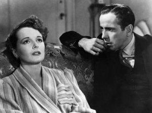 Mary Astor con Humphrey Bogart en una escena de