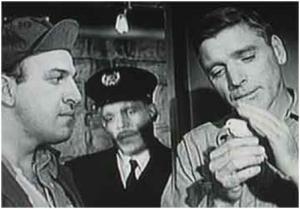 Burt Lancaster en El Hombre de Alcatraz junto a Telly Savalas (izq.)