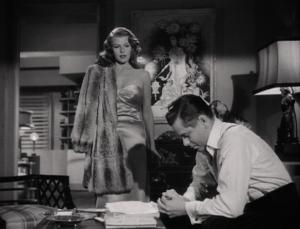 Rita Hayworth y Glenn Ford en una escena de