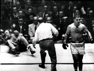 Louis noqueado por Rocky Marciano