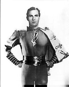 Tom Tyler en el papel del Capitán Maravilla (1941)