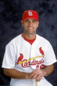 El dominicano Albert Pujols, novato del año en la Liga Nacional (2001)