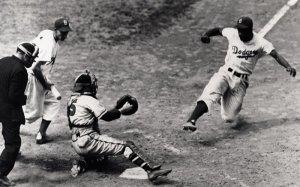 El robo de home de Jackie Robinson en la Serie Mundial de 1955