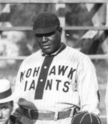 Harry-Buckner vistiendo la franela de los Gigantes Mohawk en 1913