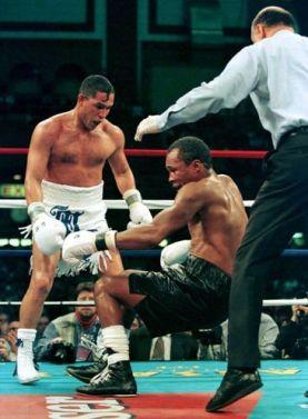 Leonard cae en el quinto asalto de su pelea contra Camacho