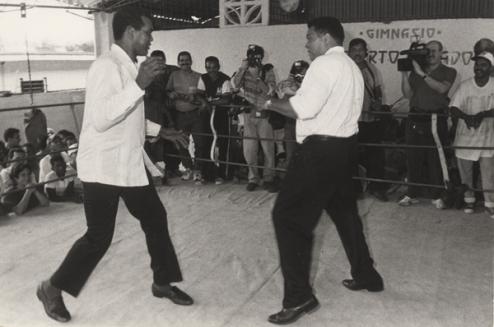 Stevenson y Alí en un supuesto combate en la Habana