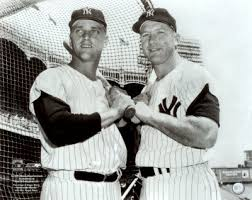 Roger Maris (z) y Mickey Mantle