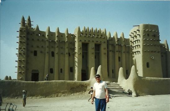 El autor en la Gran Mezquita de Djenne