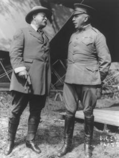 Theodore Roosevelt y el General Leonard Wood