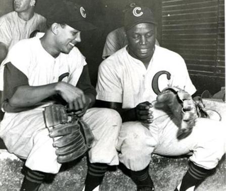 Humberto Fernández (izq.) junto al gran Silvio García en la temporada de 1951-52