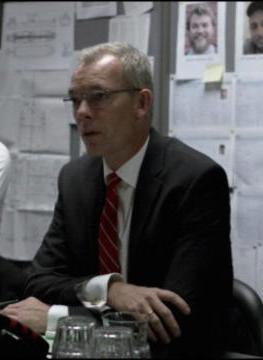 Søren Malling en el papel de jefe de la empresa de navíos en Dinamarca