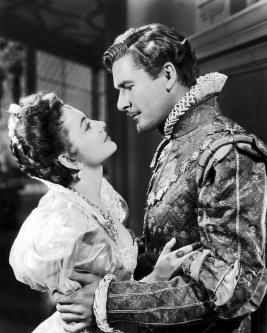 Con Errol Flynn en Vidas Privadas de Elizabeth y Essex