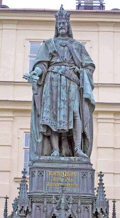 Monumento a Carlos I de Bohemia y IV de Alemania