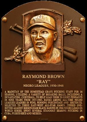 Tarja en memoria a Raymond Brown