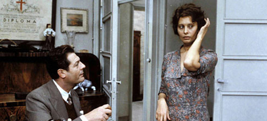 Sofía Loren y Marcello Mastroianni en una escena de Una Jornada Particular