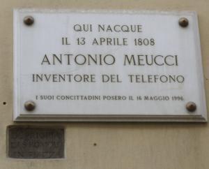 Tarja en el lugar de nacimiento de Meucci en Florencia, Italia