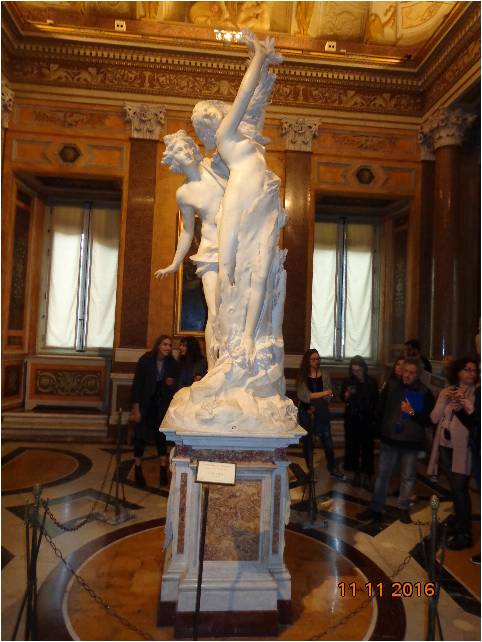 apolo-y-dafne-1622-1625-escultura-en-marmol-de-243-cm-de-altura-foto-del-autor