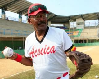 abel-leal-ya-en-sus-anos-de-retiro-del-beisbol