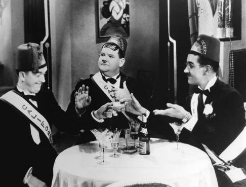 los-tres-grandes-comediantes-en-hijos-del-desierto-1933