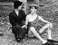 muriel-evans-y-charley-chase-en-nature-in-the-wrong-1933
