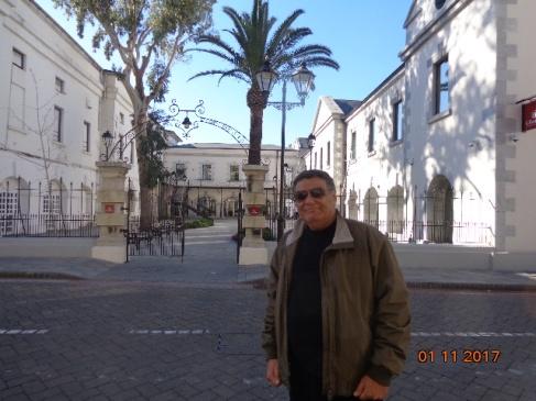 yo-en-main-street-gibraltar3