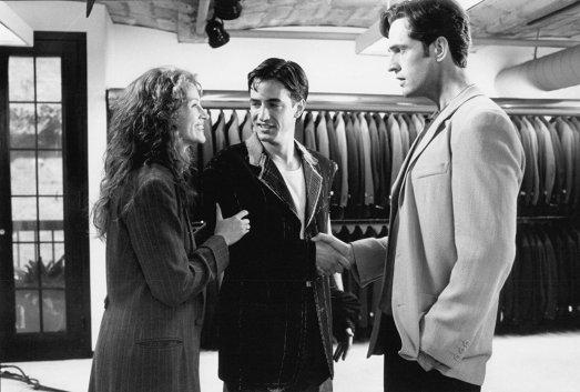 Rupert Everett (der.) con Julia Roberts y Dermott Mulroney en La boda de mi mejor amigo (1997)
