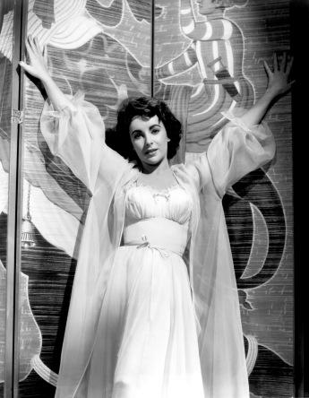 Elizabeth Taylor en La senda de los elefantes (1954)