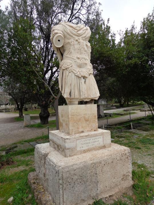 Estatua Adriano en Agora antigua 2