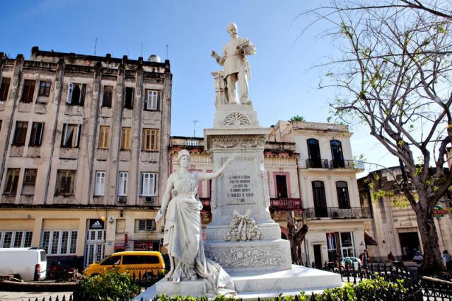 Monumento a la memoria de Francisco Albear en la Habana
