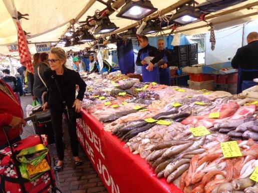 Pescado en mercado de Rotterdam
