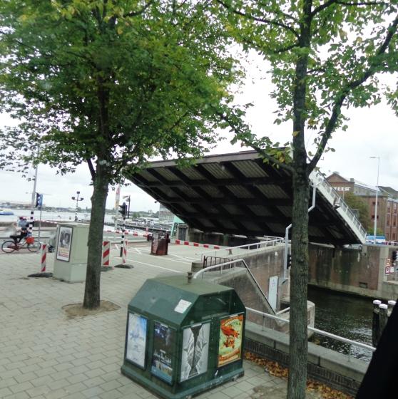 Puente levadizo en Ámsterdam