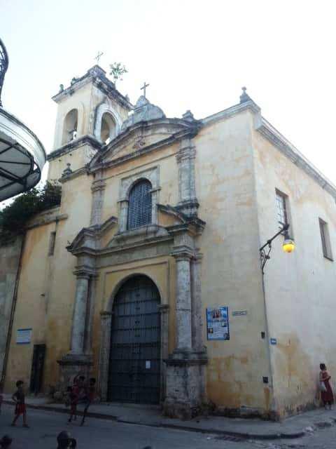 Iglesia Compostela y Tte Rey