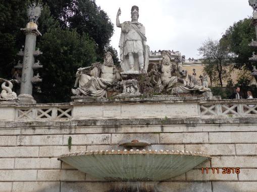 Fuente de la Diosa Roma en los bajos de la Colina Pincio