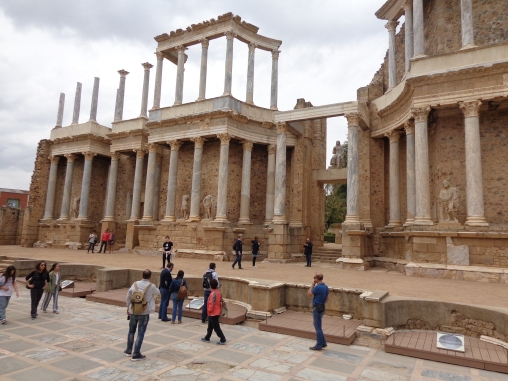 Frente del Teatro Romano con la Diosa Ceres en el medio, Mérida