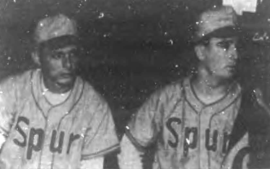 Los cubanos Orlando Moreno y Leonardo Goicochea en el Spur Cola