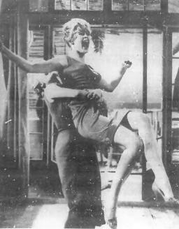 """BB en una escena de """"Una Parisina (1957)"""""""