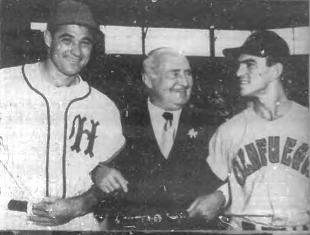 Mizell, embajador Gardner y Cam Pascual en 1956