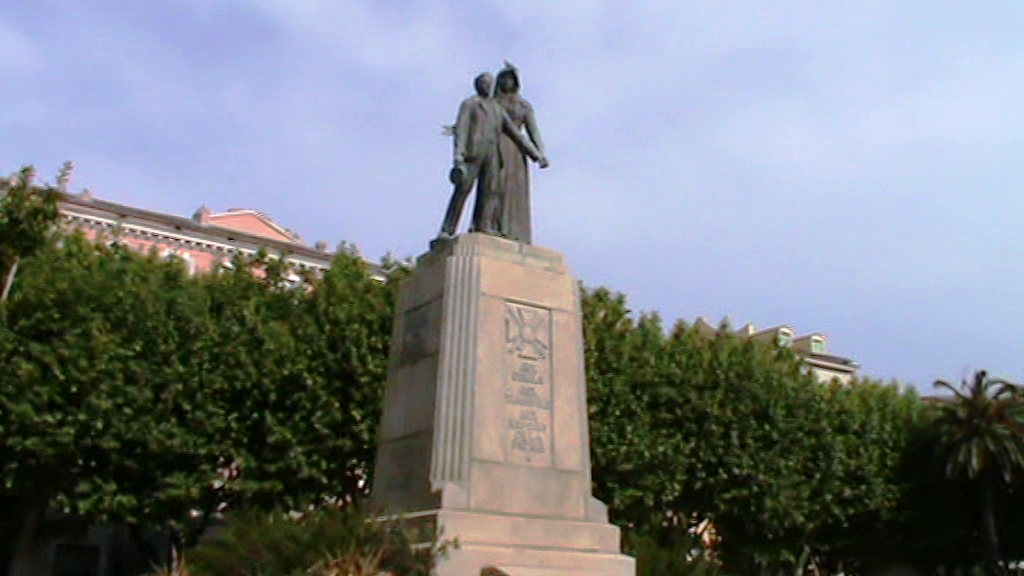 Monumento a los caídos en las dos guerras en Bastia